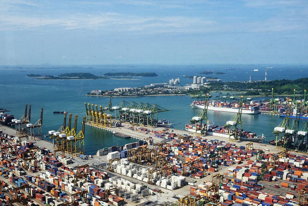 新加坡港——绿色智慧港口探索实践